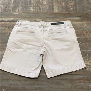 🌻3/20 FOX grey shorts
